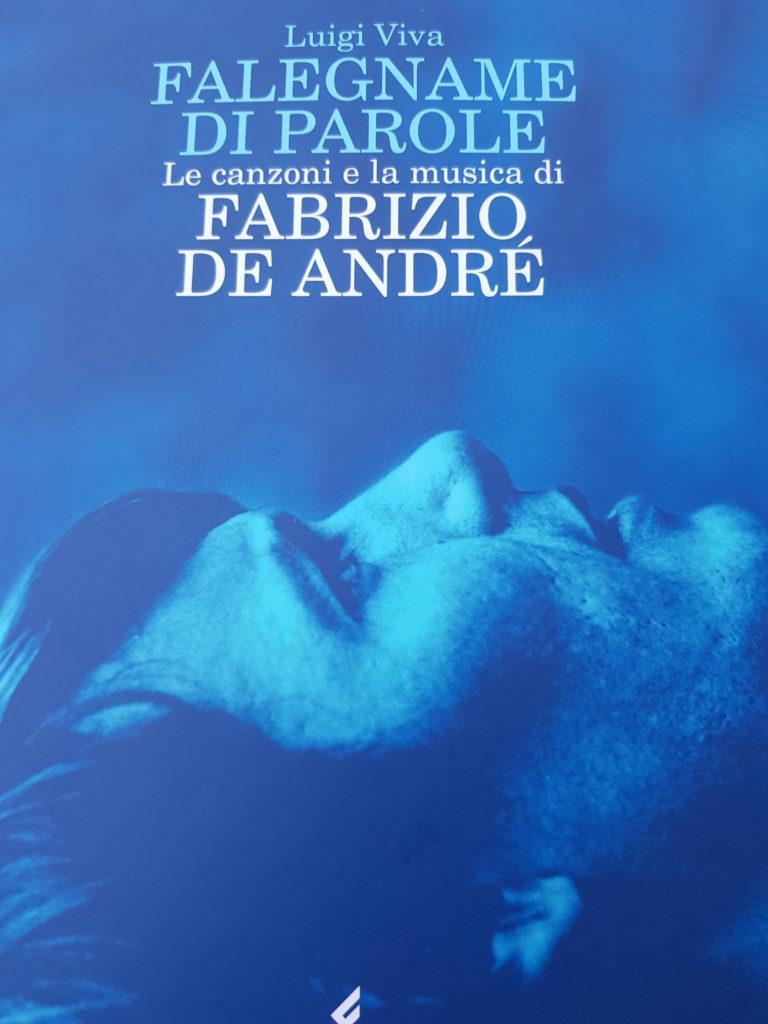 linkiostrovivo-magazine-fabrizio-de-andrè-cantautore-musica-italiana